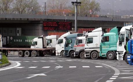 Deduzioni forfettarie, protestano le associazioni degli Autotrasportatori per la riduzione