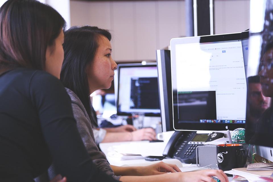 Contributi per tirocini  di neolaureati nelle aziende