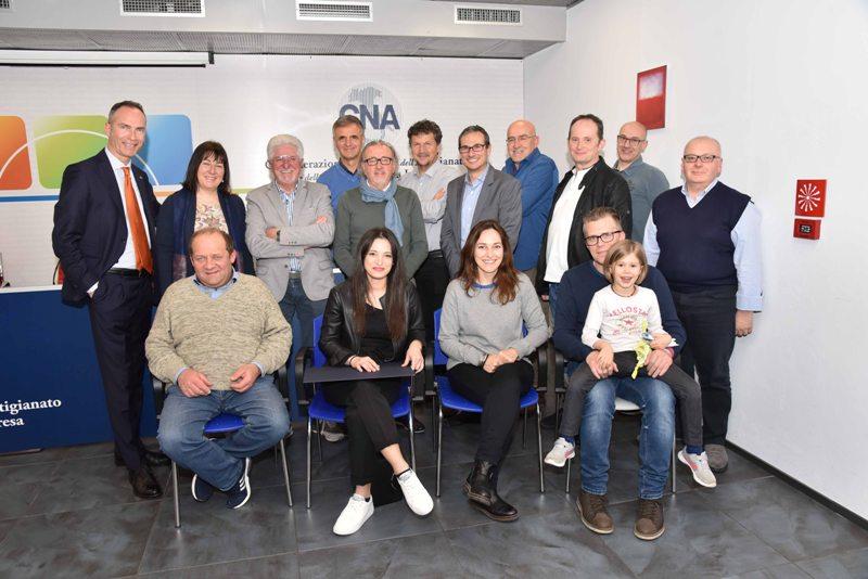 Riconoscimenti a 19 imprenditori e funzionari CNA per il