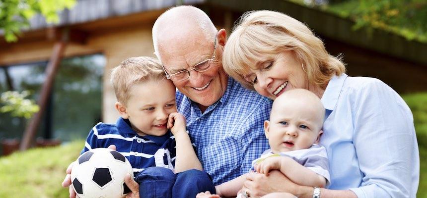 Festa dei Nonni, CNA Pensionati: «Riconoscere tutto l'anno il ruolo degli anziani nel welfare familiare italiano»